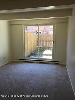 W Aspen real estate 102316 145479 801 E Hopkins Avenue 2 3