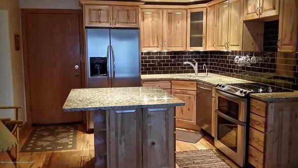 Aspen real estate 011517 146871 236 Vine Street 2 590W