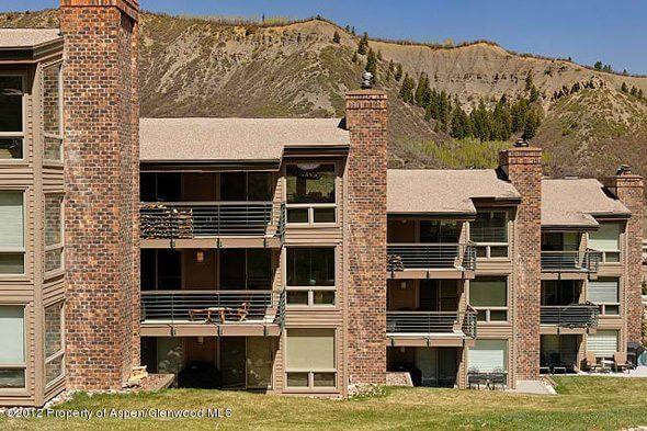 Aspen real estate 031217 142691 360 Wood Road 303 1 590W