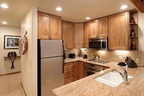 Aspen real estate 042317 147537 610 S West End Street C 204 3 190H