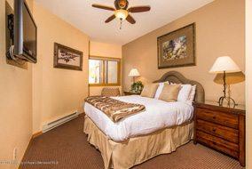 Aspen real estate 043017 143520 150 Snowmass Club Circle 1517 4 190H