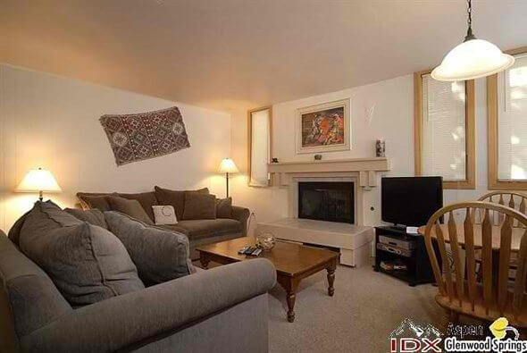 Aspen real estate 043017 147536 135 Carriage Way 4 2 590W