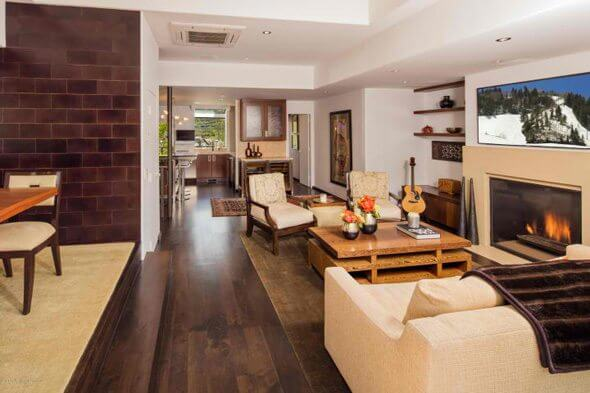 Base of Aspen Mtn Townhome 1994 Built/2005 Remodel Closes at $5.625M/$1,913 Sq Ft Image