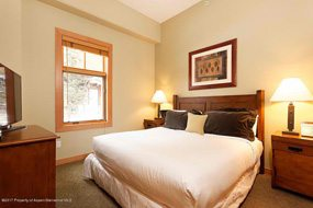 Aspen real estate 090317 147742 90 Carriage Way Unit 3119 4 190H