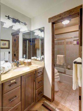 Aspen real estate 091717 142778 400 Wood Road 2110 5 285W