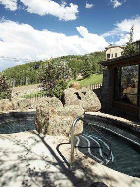 Aspen real estate 091717 142778 400 Wood Road 2110 6 285W