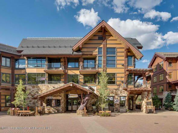 Aspen real estate 101517 143847 120 Carriage Way 2206 1 590W