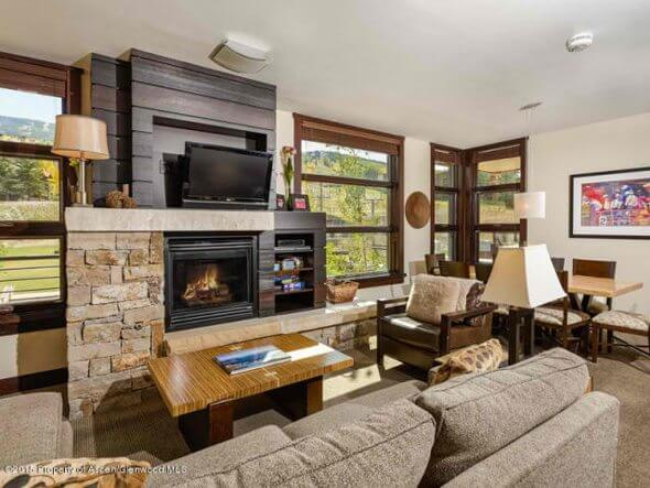 Aspen real estate 101517 143847 120 Carriage Way 2206 2 590W