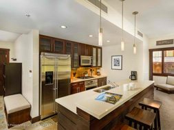 Aspen real estate 101517 143847 120 Carriage Way 2206 3 190H