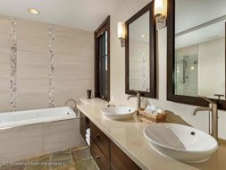 Aspen real estate 101517 143847 120 Carriage Way 2206 5 190H