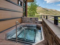 Aspen real estate 101517 143847 120 Carriage Way 2206 6 190H