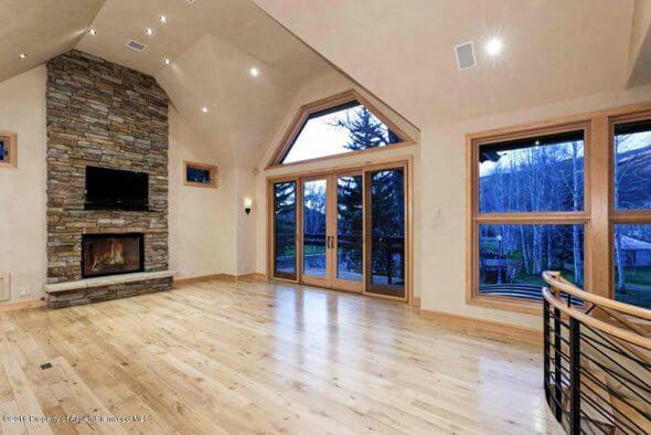 Aspen real estate 101517 144413 625 Gillespie Street 2 590W