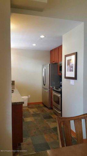 Aspen real estate 101517 148870 90 Carriage Way Capitol Peak B Unit 413 5 190H