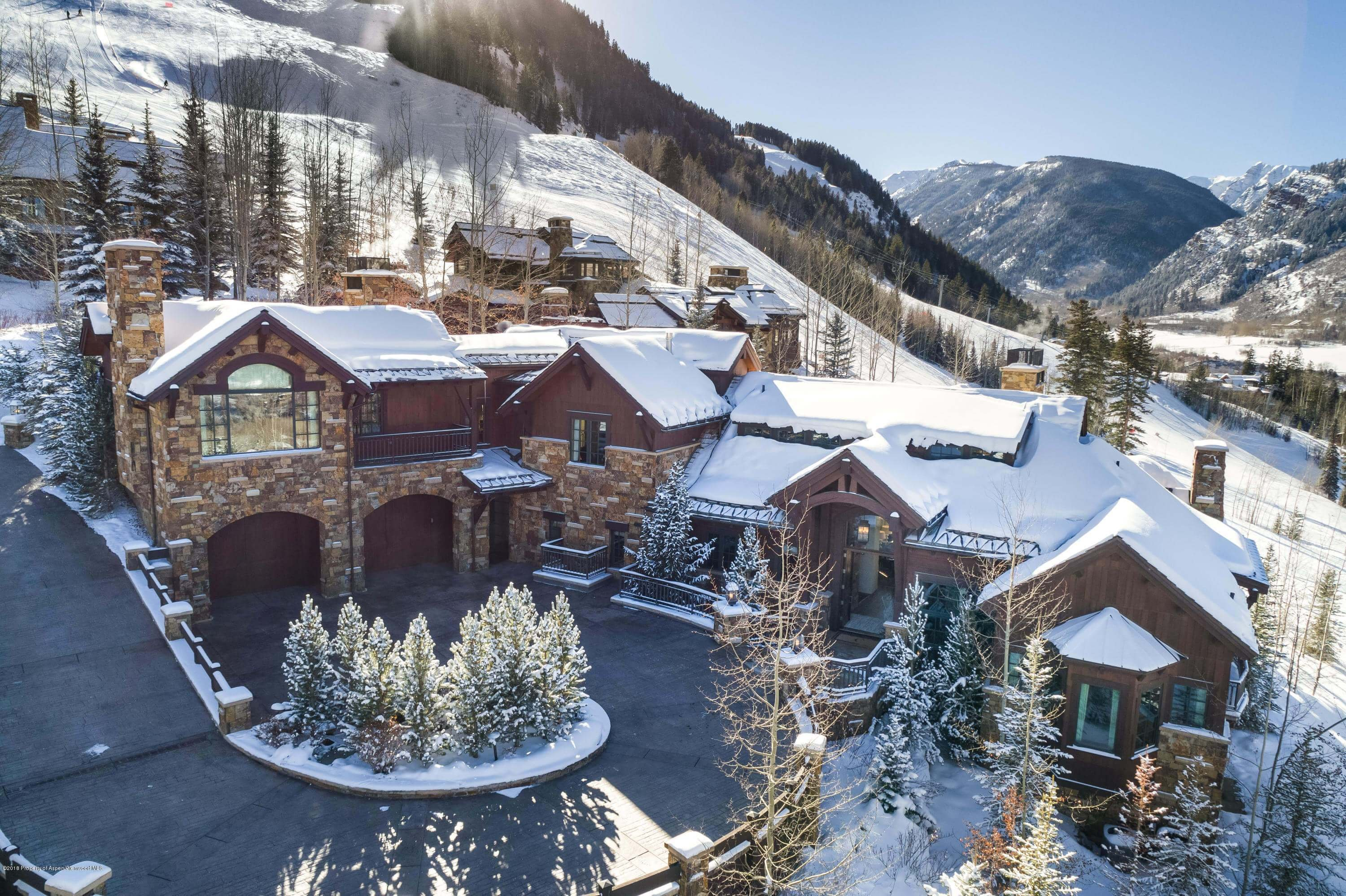 Aspen Highlands Ski-In Out Home at 465 Thunderbowl Ln Sells for Record Highlands Price $17.35M/$1,870 sq ft Furnished Image