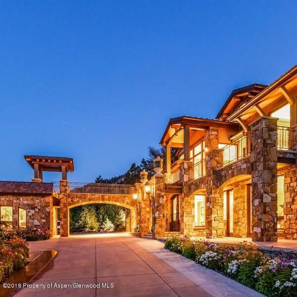 2007 Built Meadowood Home at 181 Larkspur Sells for $11.1M/$1,112 Sq Ft Furnished Image