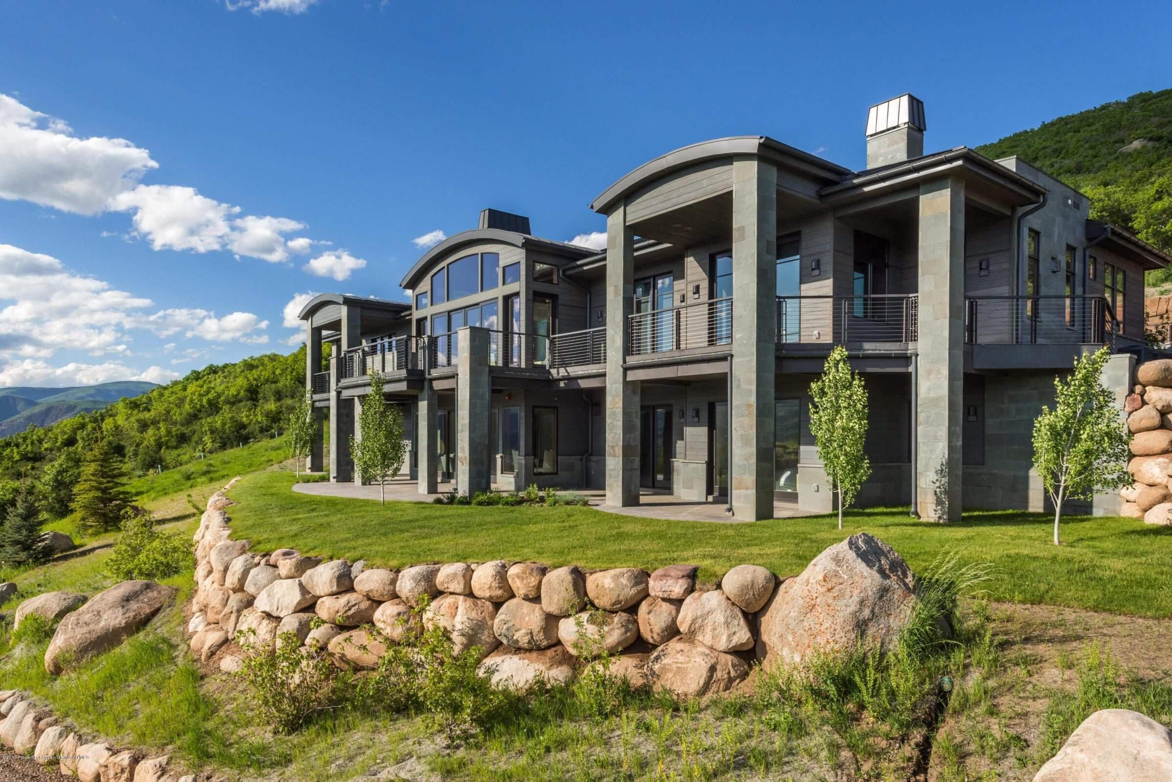 2015 Built McLain Flats Home Sells at $9M/$1,189 sq ft Furnished Image