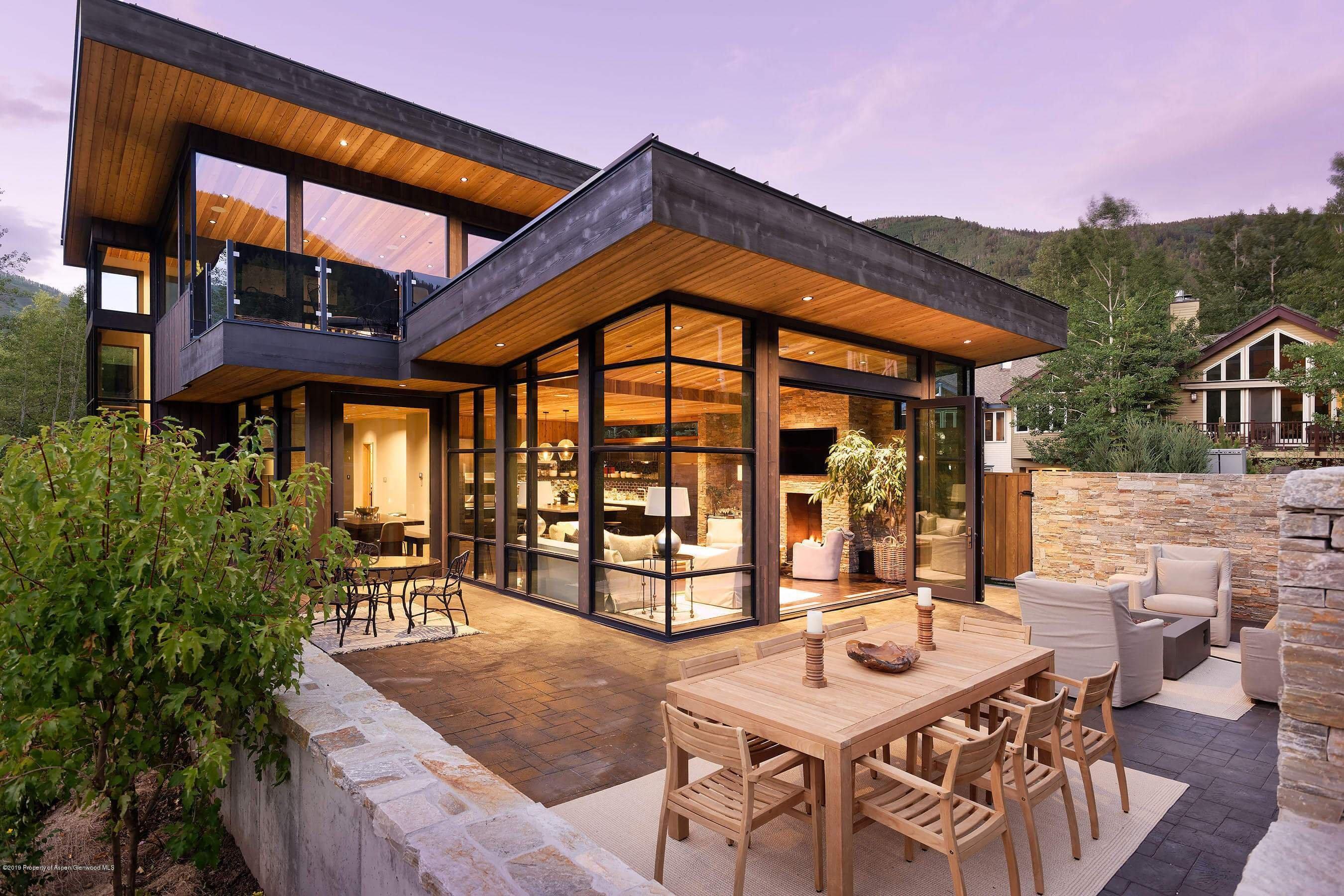 New Built 2018 Aspen Spec Home at 440 Riverside Sells at $13.3MM/$2,365 SF Image