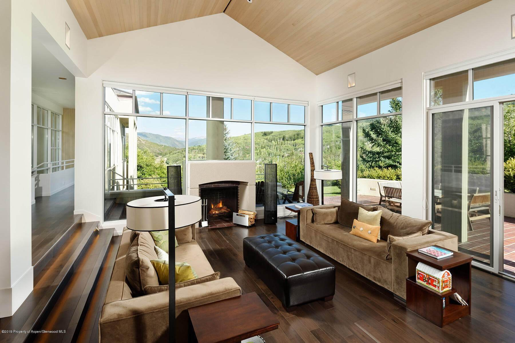 Snowmass Village 1987 Built/2016 Remodeled Home at 58 Fox Run Sells for $4.08M/$822 SF Furnished Image