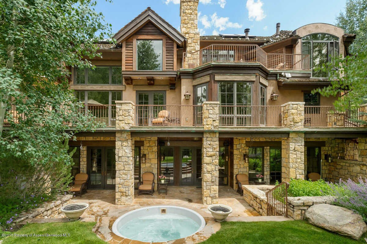 2003 Built Home on Crystal Lake Road Sells for $19M/$1,850 sq ft Image