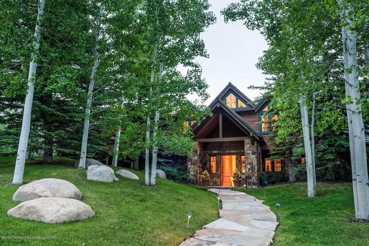 Maroon Creek Club Home at 285 Pfister Dr Closes at $6.825MM/$786 SF Partially Furnished Image