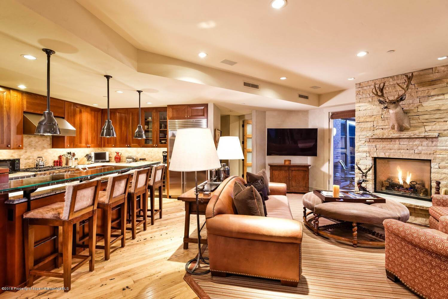 Obermeyer Place 3 Bdrm/3 Ba Aspen Condo Closes at $4.55M/$2,077 Sq Ft Image