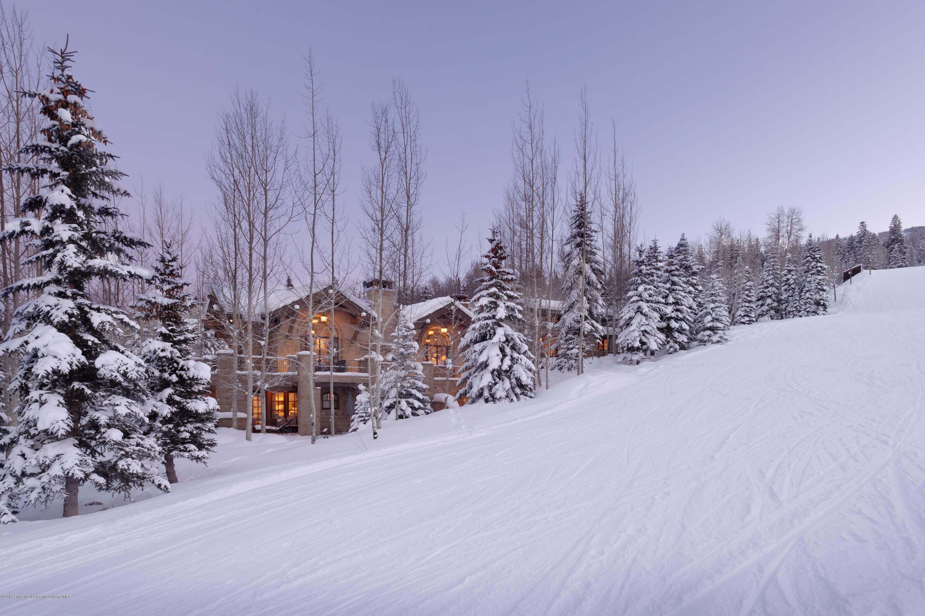 Snowmass Ski in / Ski Out Home at 90 Edgewood Ln Closes at $8.6M/$1,892 Sq Ft Furnished Image