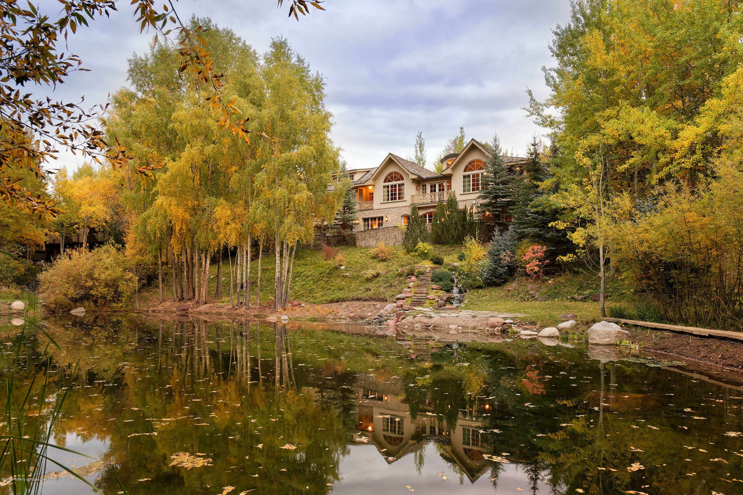 Value Capture Outside the Roundabout – 3 Minutes to Town: Aspen Highlands Area Estate Sells at $9M/$1,201 Sq Ft Image