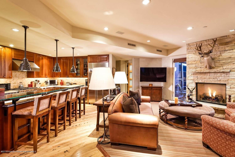 Obermeyer Place 3 Bdrm/3 Ba Aspen Condo Closes at $4.55M/$2,077 Sq Ft Image