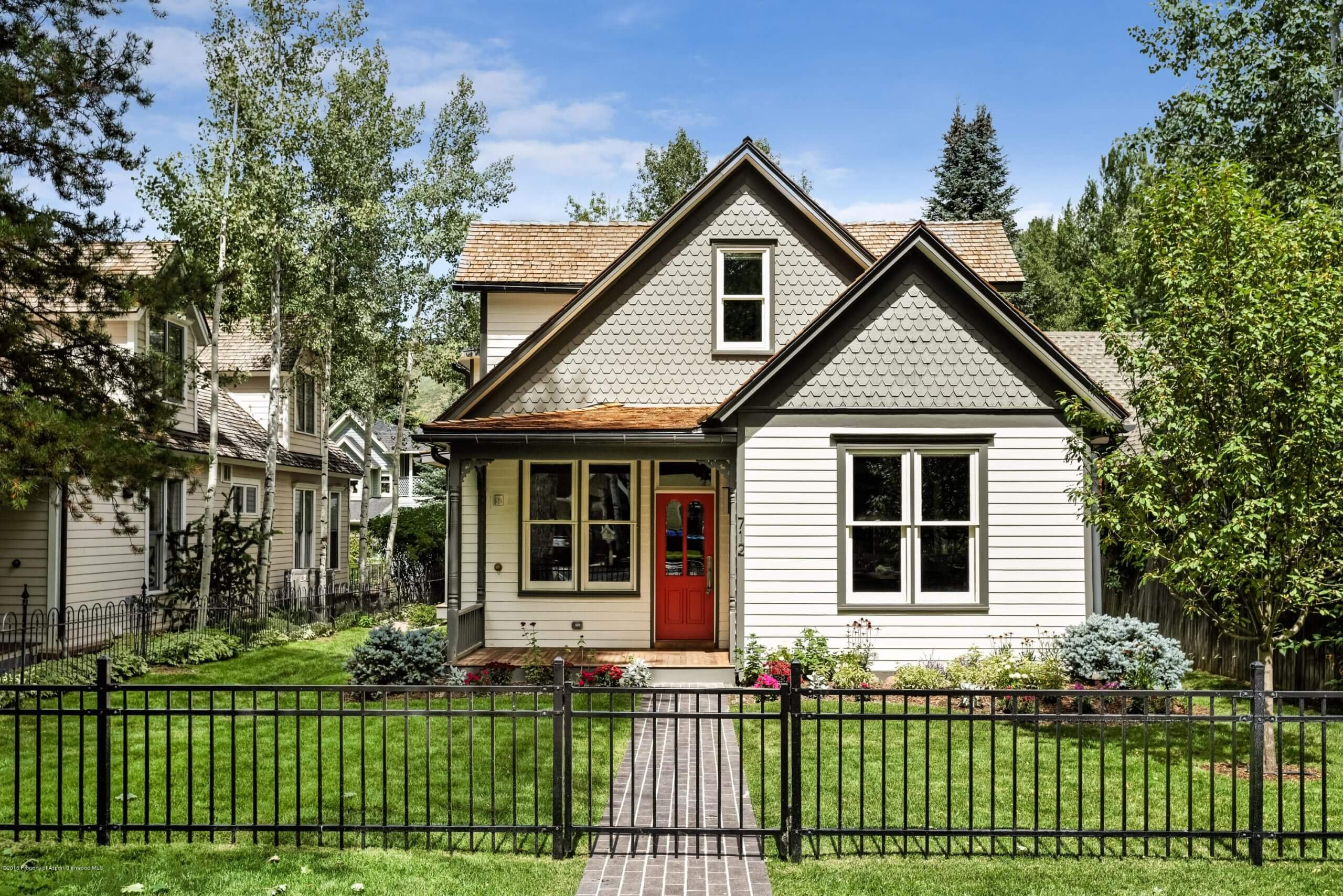 712 W Francis St in West End Aspen Closes at $7.7M/$1,720 SF Furn. Image