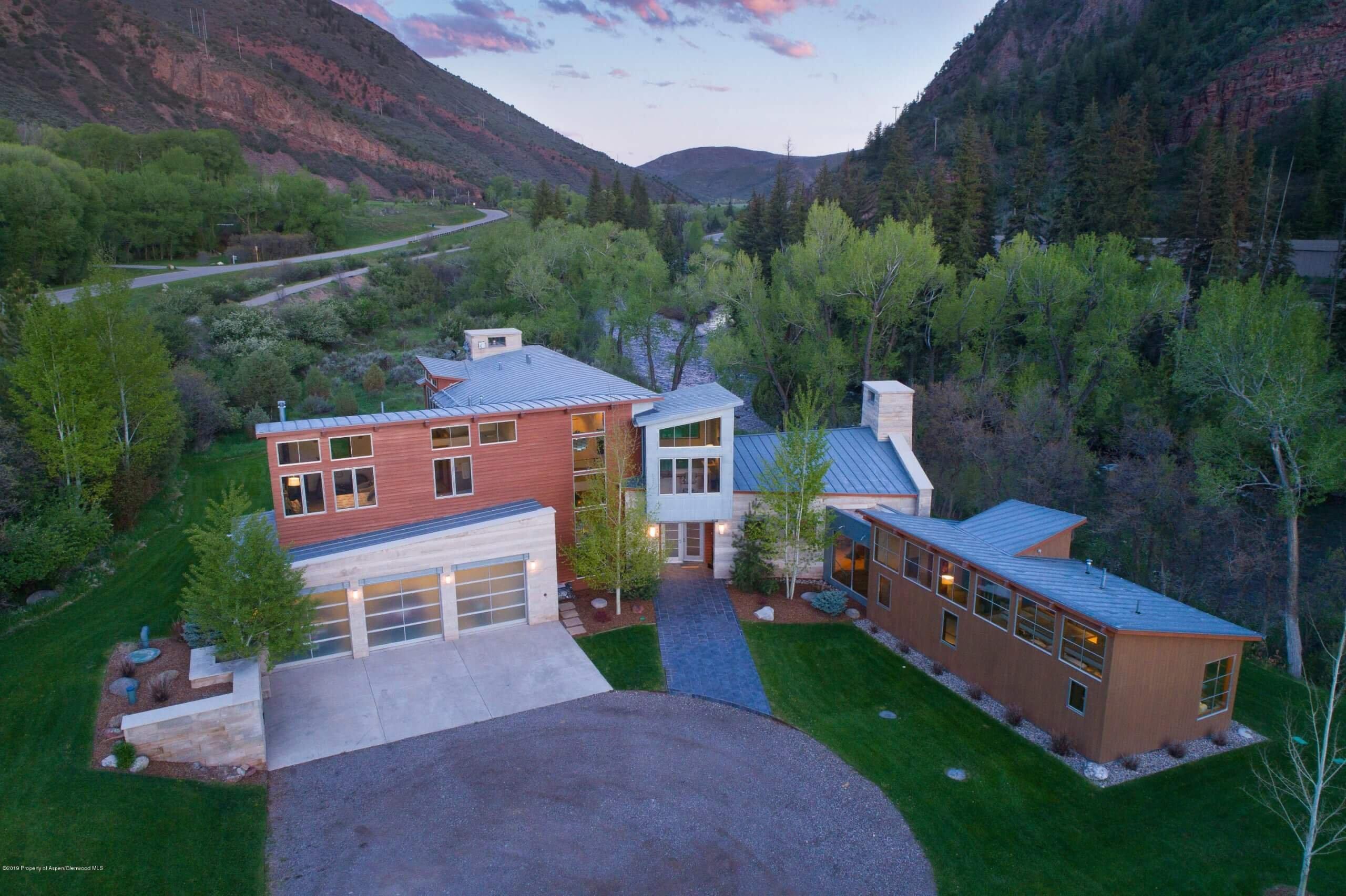 Snowmass Canyon Contemporary Home Along Hwy 82 River Corridor Closes at $4.825M/$941 SF Unfurn. Image