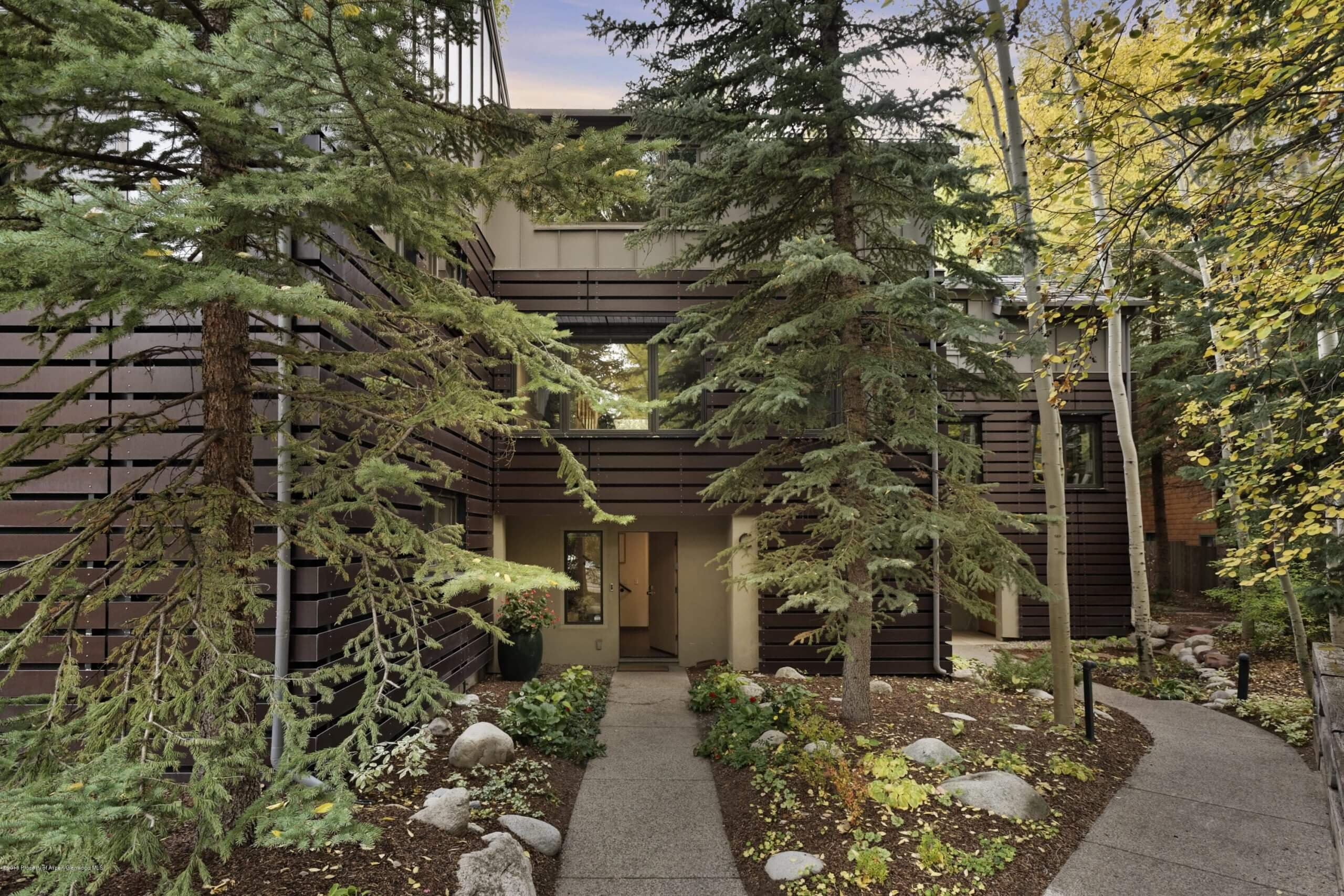 Black Swan Townhome at 851 Ute Ave #C Sells at $4.525M/$1,923 SF Furn Image