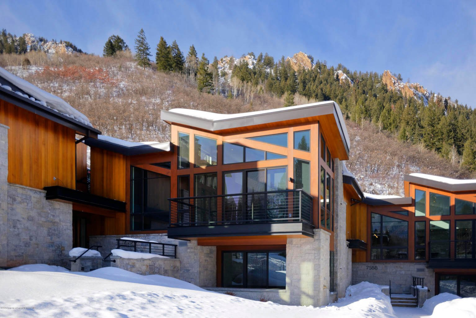 OneAspen Townhome at 755 S Aspen St Unit B Sells for $13.89M/$2,346 SF Unfurn. Image