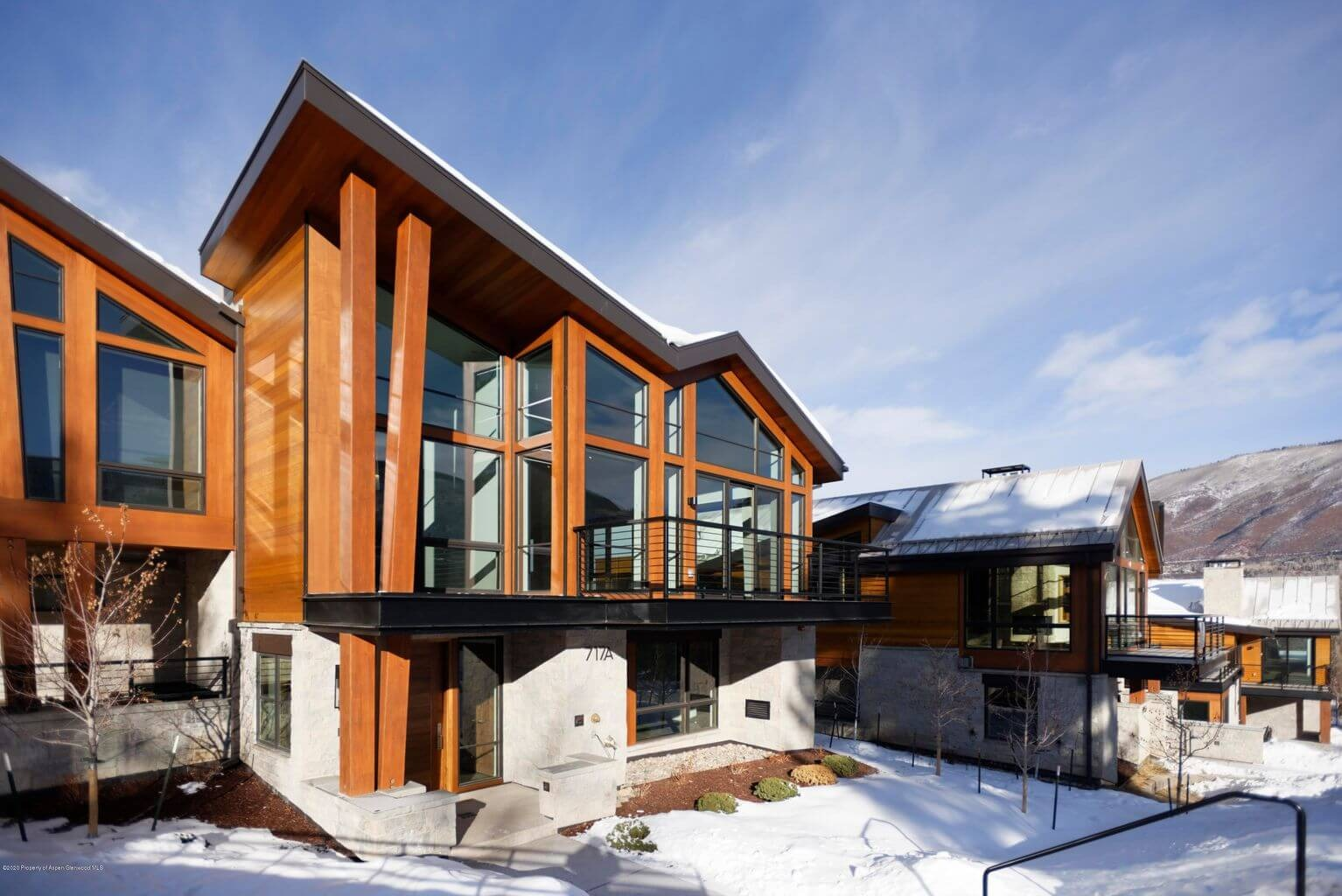 Last of the Developer One Aspen Townhomes at 717 S Aspen St #A Sells for $12M/$2,781 SF Unfurn Image