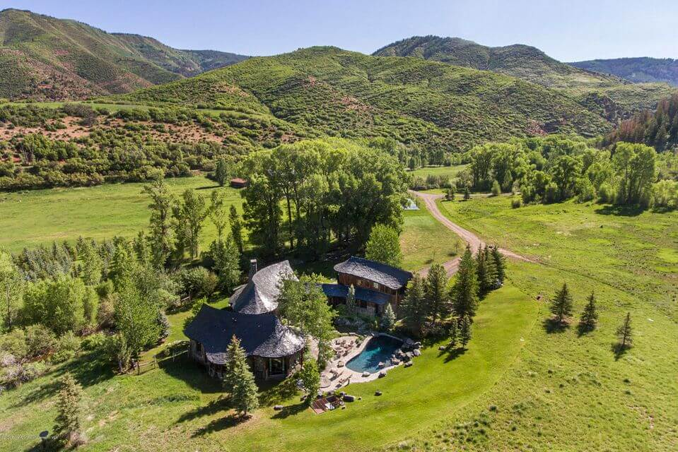 Woody Creek Ranch with 244 acres, 7 homes, and 3 Developable Home-sites Sells for $20M Furn Image