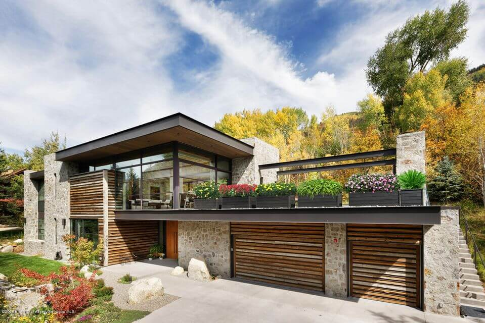 New Built Stunning Contemporary at 42705 Hwy 82 Closes at $13.75M/$2,948 SF Furn Image