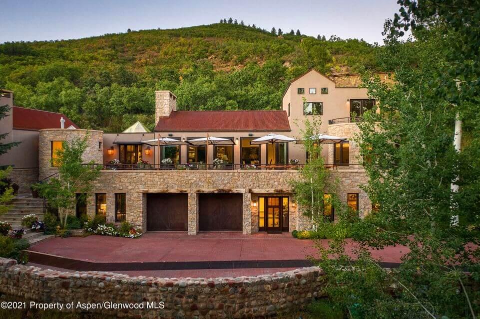 2013 Remodeled Starwood Home at 75 N Starwood Closes at $9.35M/$1,792 SF Furn Image