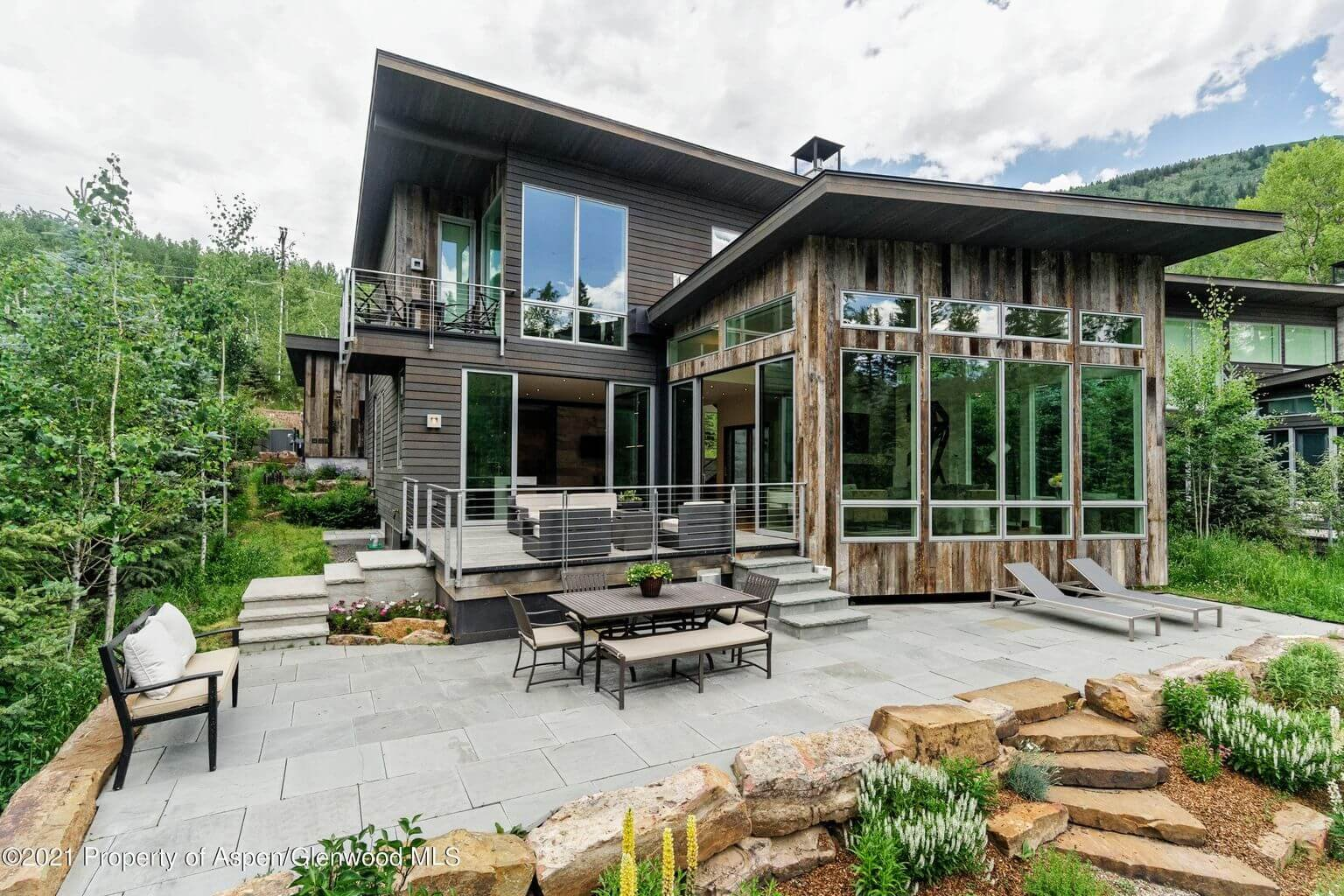 55 Winter Way in East Aspen Sells for $13.6M/$3,135 SF Furn Image