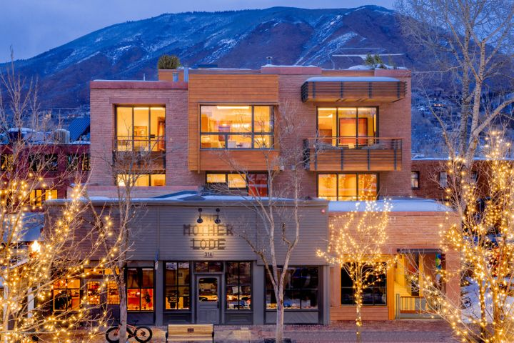 Aspen's Mother Lode Penthouse Condo at 314 E Hyman Ave Sells for $36.5M/$4,161 SF Image